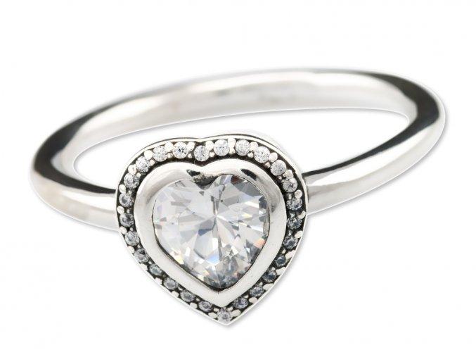 stribrny-prsten-love