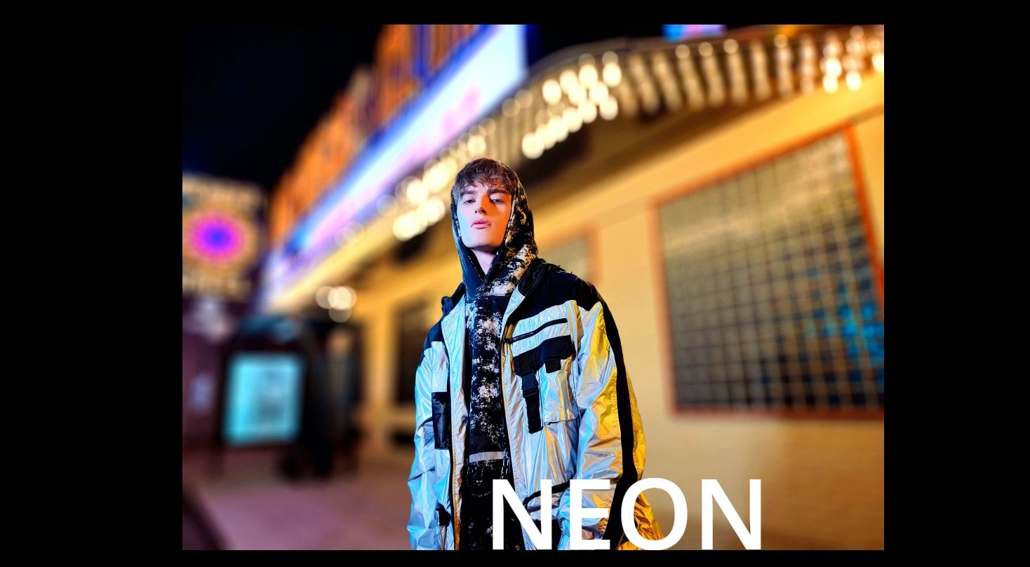 Realme 8 Pro fotka neon