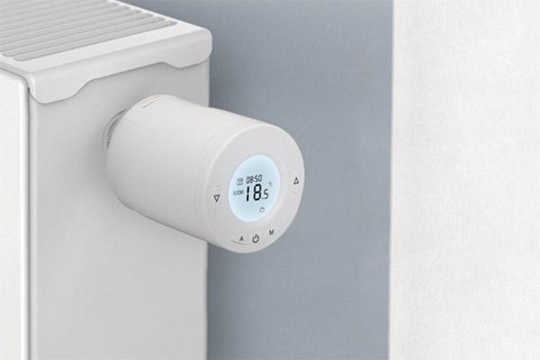 Jak funguje termostatická hlavice a proč se vyplatí koupit tu chytrou