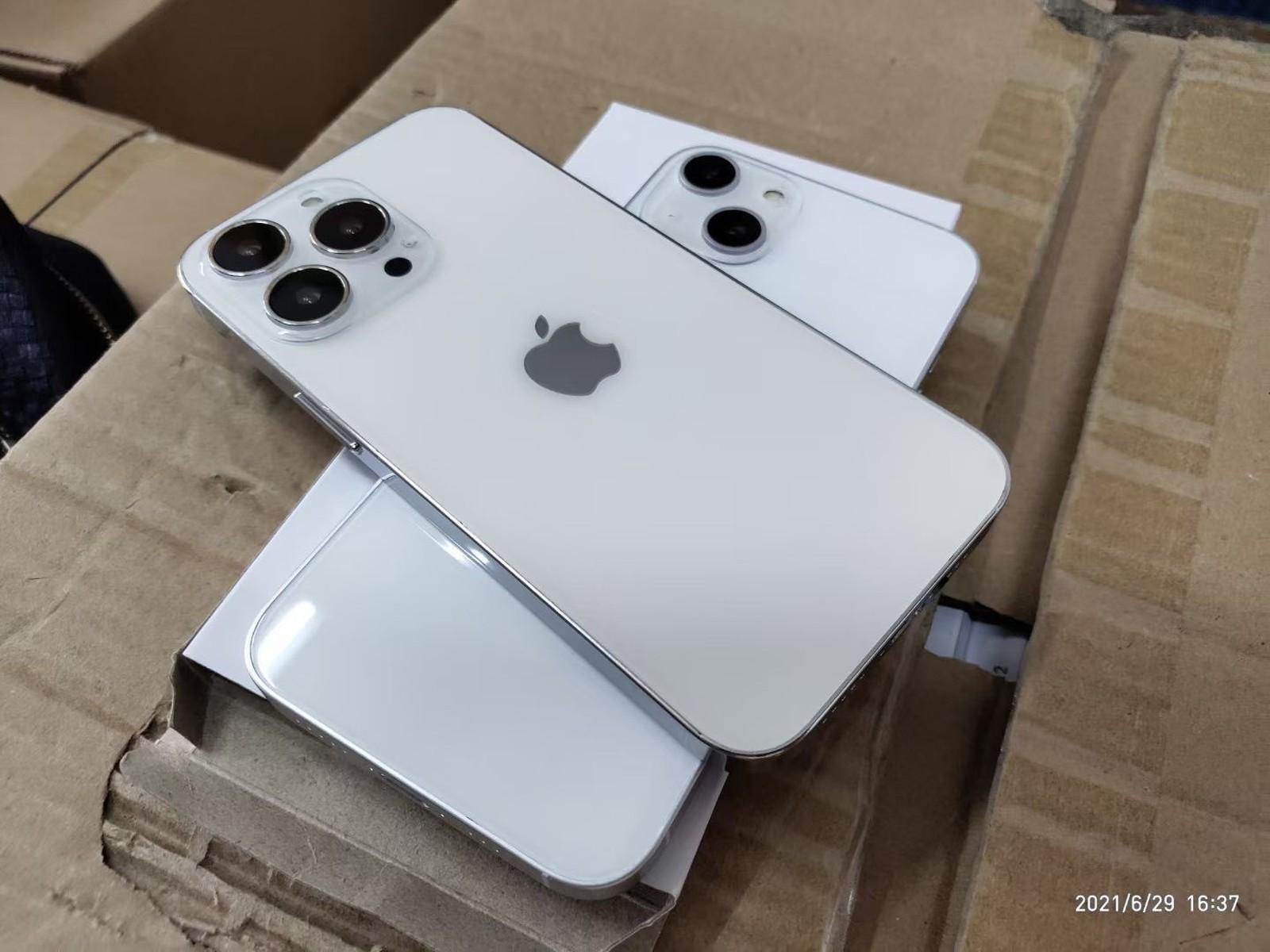 iPhone 13 maketa ukazuje také nové uspořádání objektivů v zadní části
