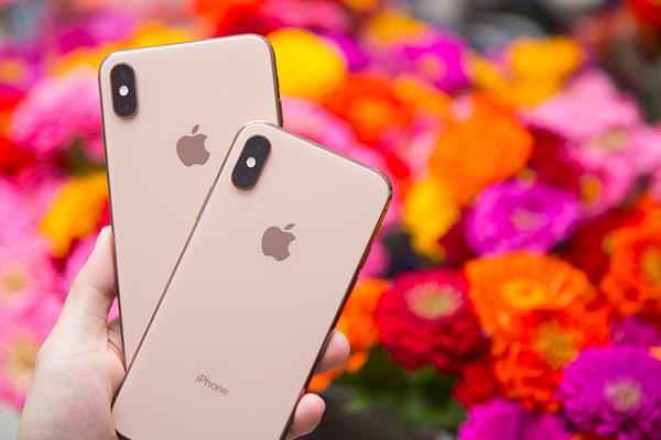 iPhone XS Plus jako nástupce současných iPhonů? OLED displeje tu jsou