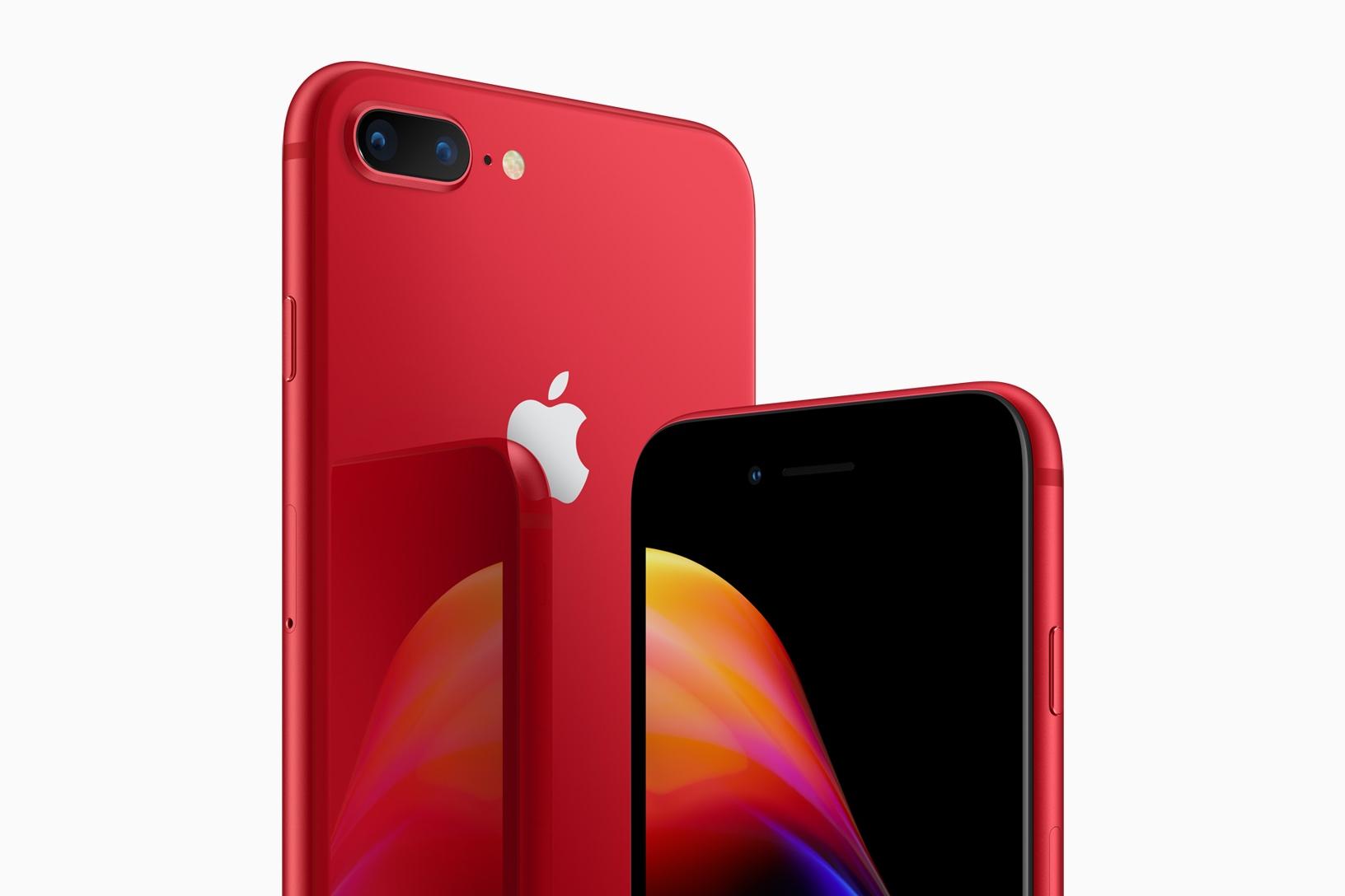 iPhone 8 Red byl představen před rokem. Přijde letos (PRODUCT)RED iPhone Xs?