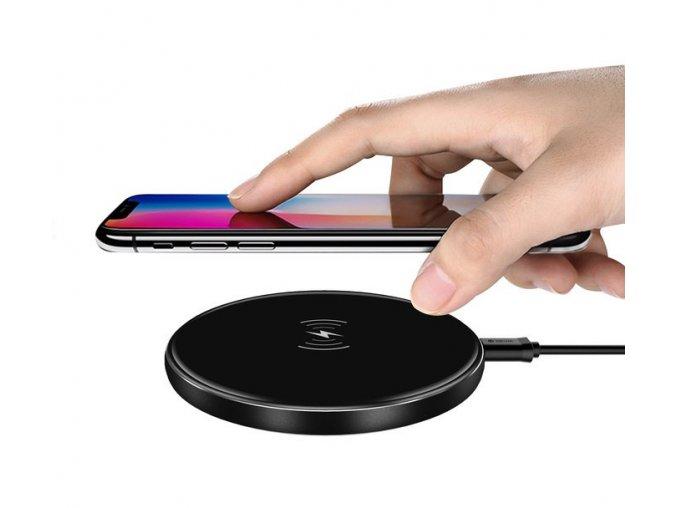 Bezdrátová rychlá nabíječka pro iPhone - Devia, Aurora Black 10W