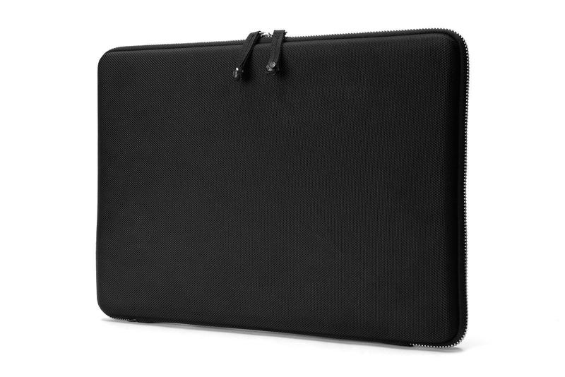 Pouzdro na MacBook Pro 13 (2016-2018) / MacBook Air 13 (2018) - Booq, Hardcase S Black