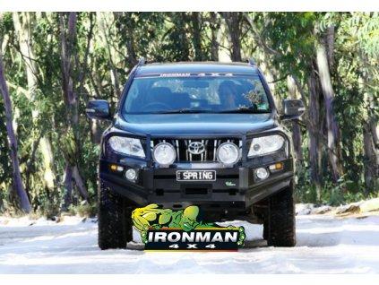 De Luxe Commercial - Predný pevnostný nárazník čierny Nissan Navara D22 (s lemami blatníkov)