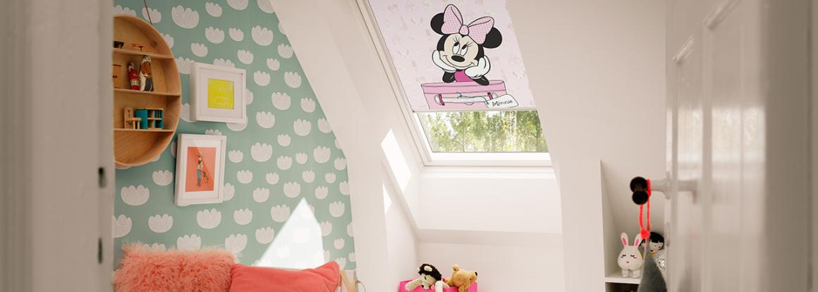 Rolety a žaluzie do střešních oken. Roletami zajistíme příjemné osvětlení a dotvoříme celkový vzhled místnosti.
