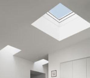 Střešní světlík Velux CVP 0673QV - elektricky ovládaný Rozměr: 60x60 cm
