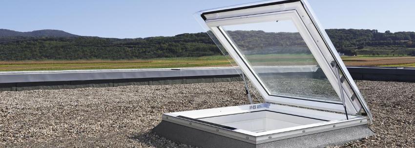 Výlez do ploché střechy VELUX CXP Rozměr: akrylát 90x120 cm