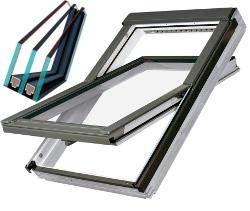 Plastové s trojskly střešní okno FAKRO PTP-V U4 Rozměr: 55x78 cm
