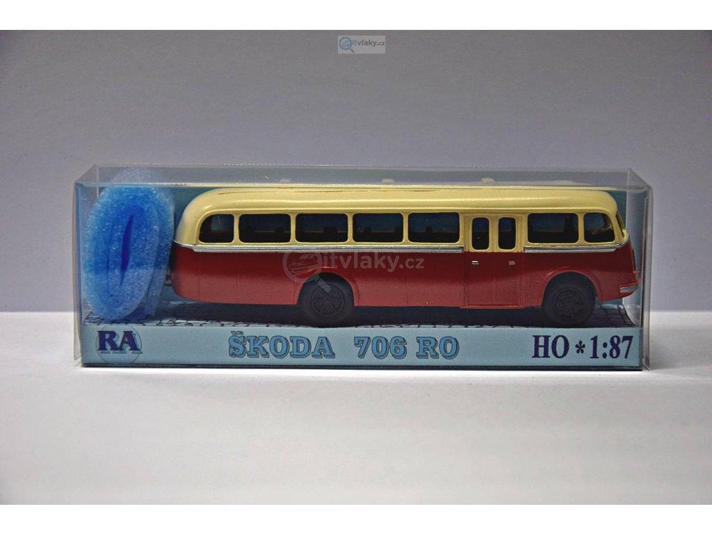 H0 - Škoda 706 RO červeno/bílý / RA Došlý 103140