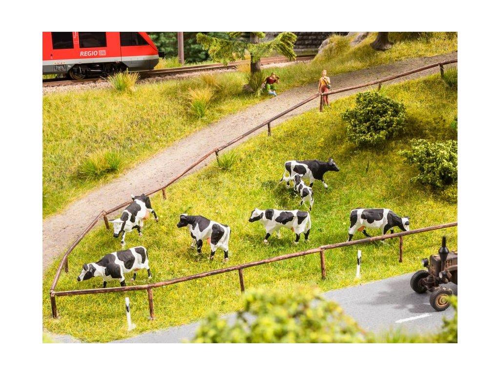H0 - krávy na pastvě, ozvučené zvířata / NOCH 12851