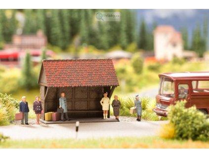H0 - Na autobusové zastávce, figurky a čekárna / NOCH 12015