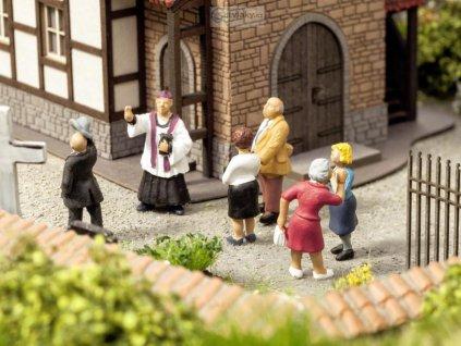 H0 - Před kostelem, ozvučené figurky / NOCH 12860