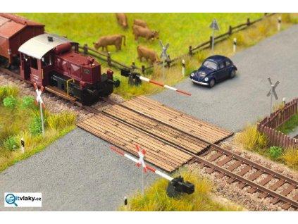 H0 - Dřevěný kolejový přejezd / NOCH 14305