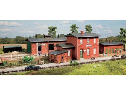 H0 - Sada s nádražím Neukloster / Auhagen 15103