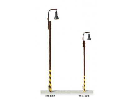 H0 - Nádražní lampa na dřevěném stožáru, žluté světlo / JM Detail 411102