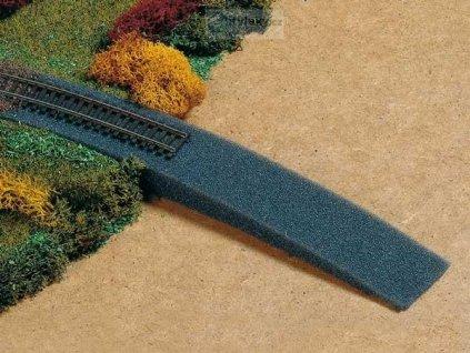 TT - Nájezd na železniční násep z pěnové hmoty / Auhagen 43585
