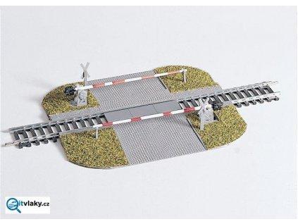 H0 - Železniční přejezd se závorami / PIKO 55725