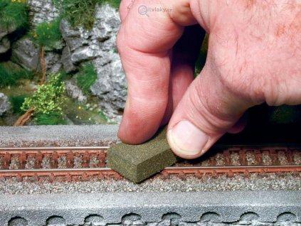 Čisticí guma na koleje / NOCH 60140