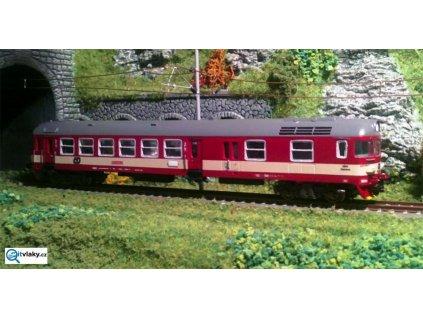 TT - motorový vůz 853 červený s krém. pruhem pod okny, ČD HYDRA / RUBIKON 802.01