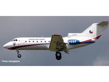 432282 1 1 200 letadlo csa czech air force jakovlev jak 40 herpa 559898