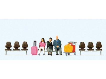 H0 -  Sedící cestující 3ks, 3 lavičky, kufry Preiser 10661