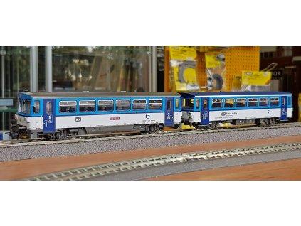 H0 - motorový a přípojný vůz 810 ČD NAJBRT / Roco 70378