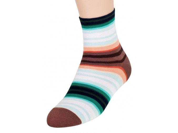 Dívčí klasické  ponožky se vzorem srdce 60 STEVEN 014