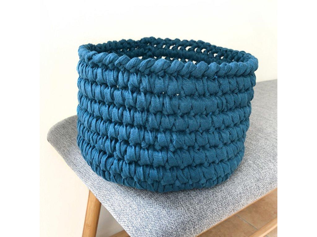 Petrolejově modrý háčkovaný košík Petro, ⌀ 22 cm