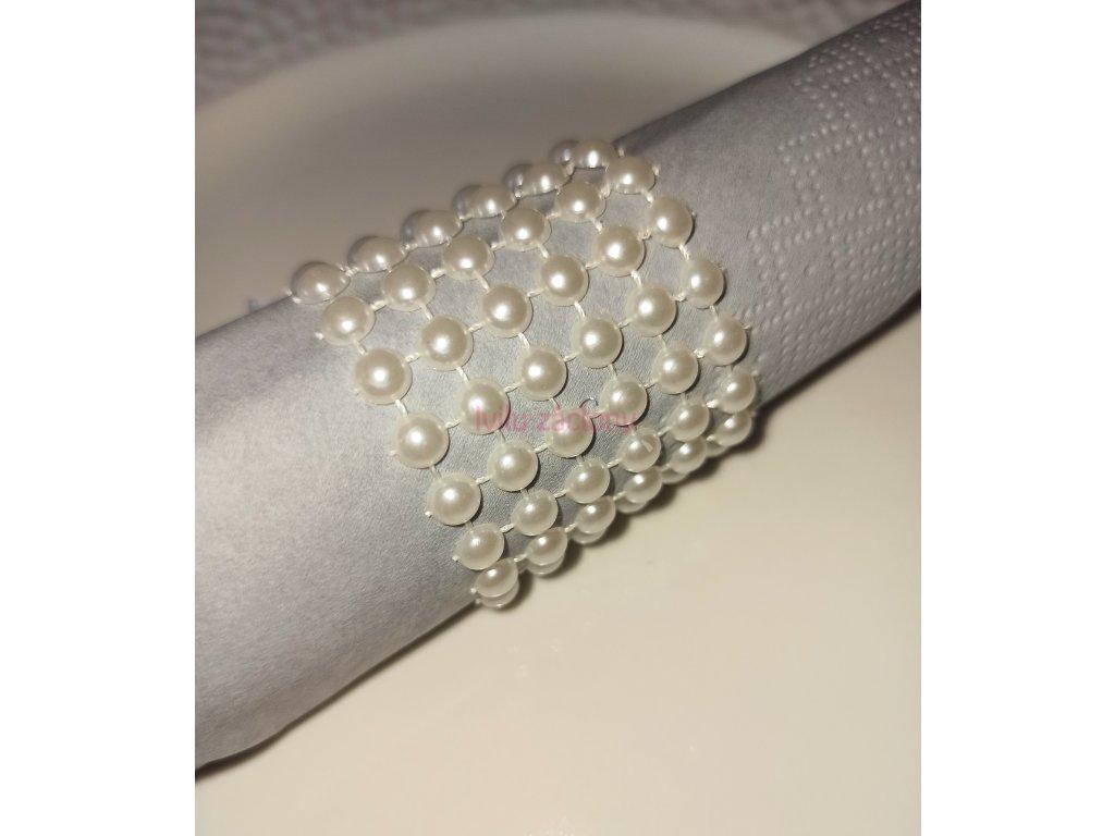 perly kroužek ubrousek Fotor