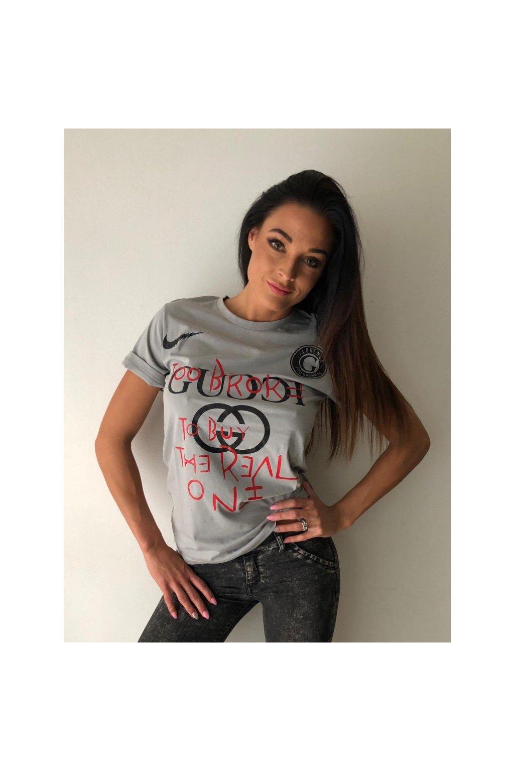Tričko TooBroke s nápisem Gucci - šedé (Velikost Velikost XS)