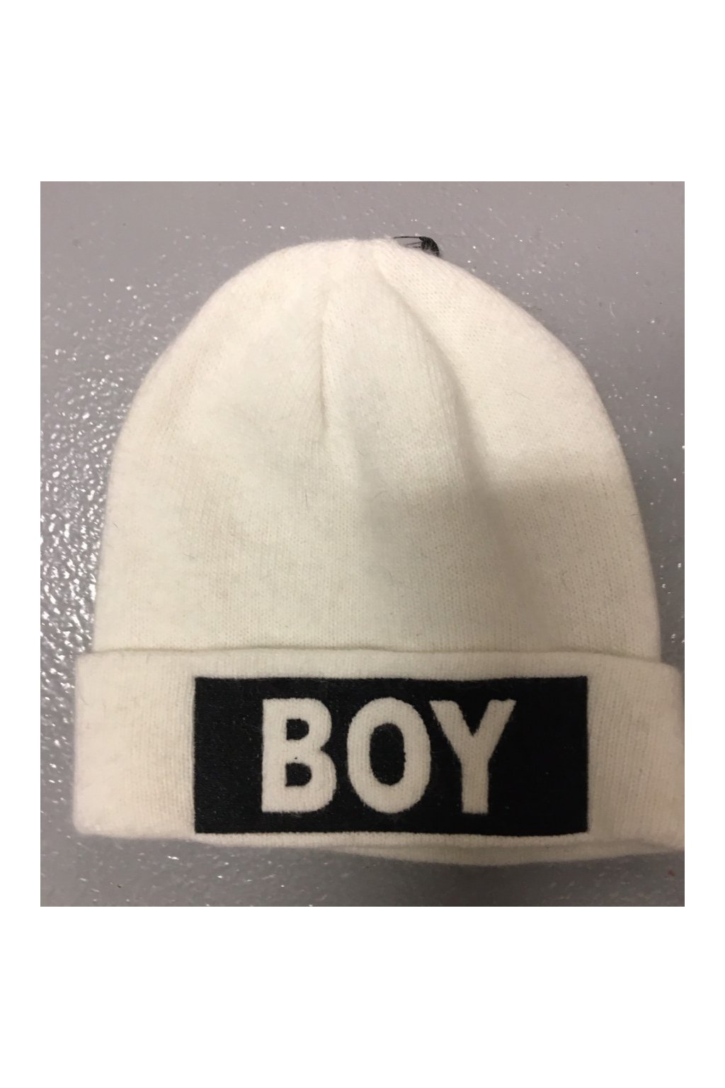 Čepice s bílým nápisem BOY - bílá (Velikost Velikost UNI)