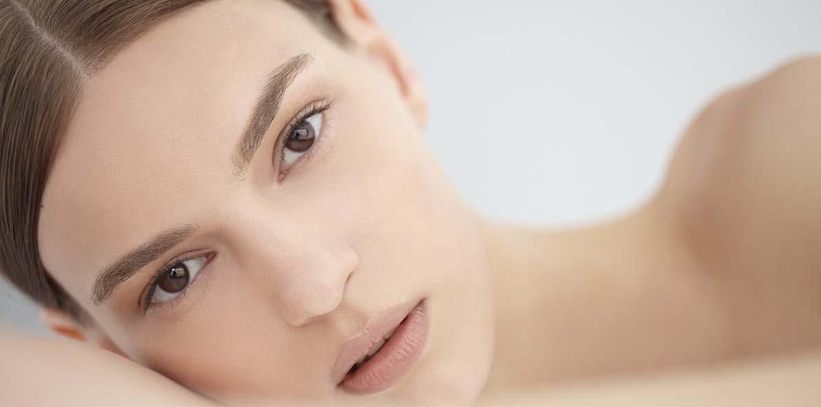 Chemické peelingy: neinvazivní podpora vaší pleti