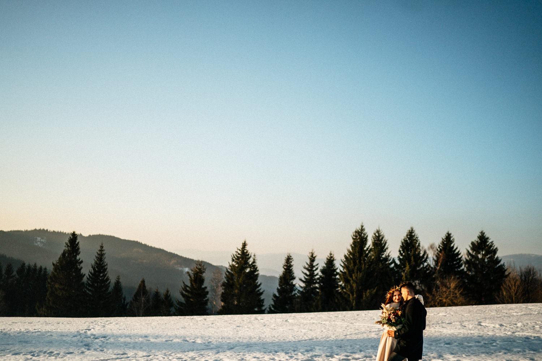JAATY_zimni-svatba-na-horach-beskydy_lesy