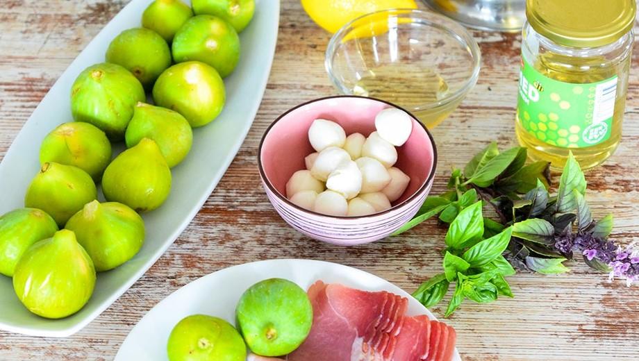 Středomořský salát s prosciuttem a fíky