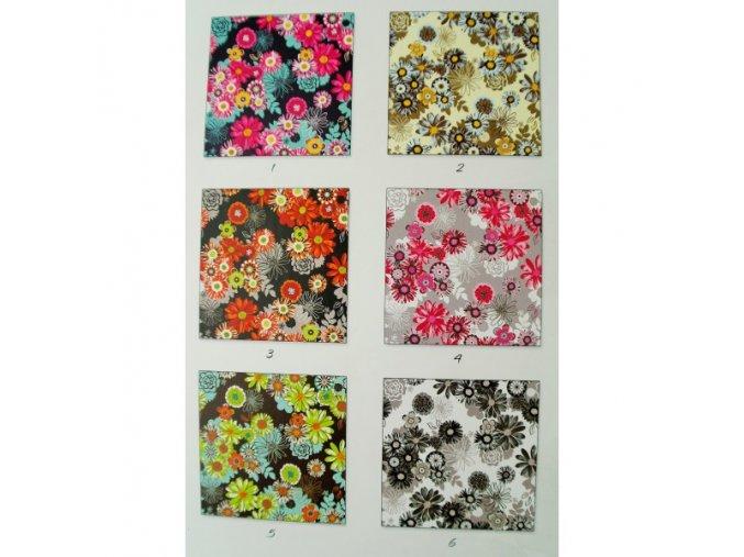 Šusťák kočárkový - Rozkvetlé květiny