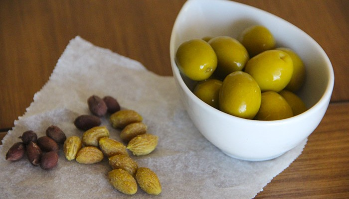 oliva-gordal-hueso-table