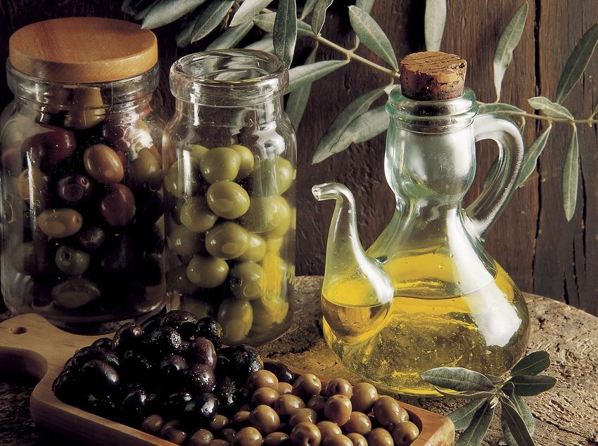 olium-olivas-glass-vasa
