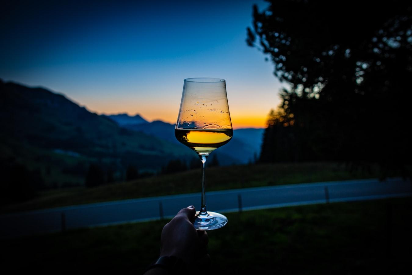 wine-glass-sun-evening