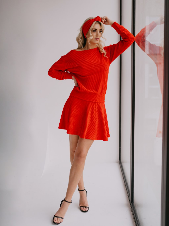 červená sukňa chester