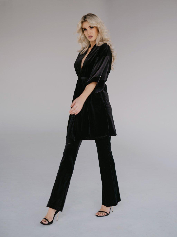 čierne velour nohavice