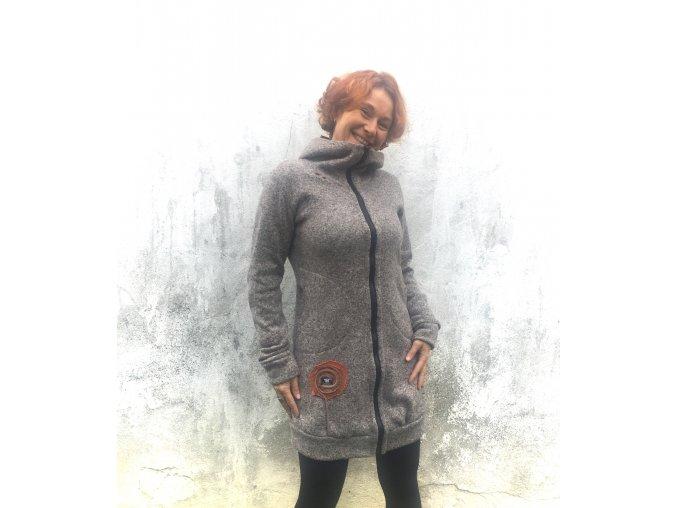 Kabátek ze svetroviny