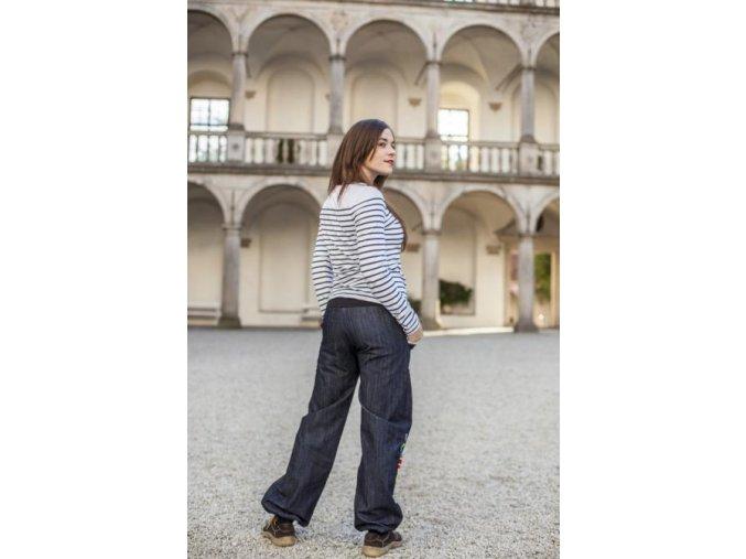 ...džínové kalhoty...