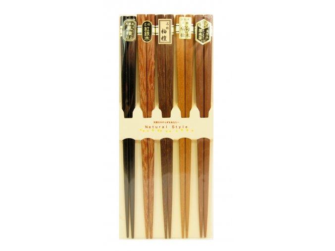 Sada dřevěných hůlek v odstínech dřeva 銘木