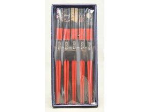 Červeně lakované hůlky v krabičce 5ks