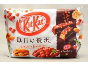 Nestle KitKat Mainichi no Zeitaku Cranberry and Almond 109g