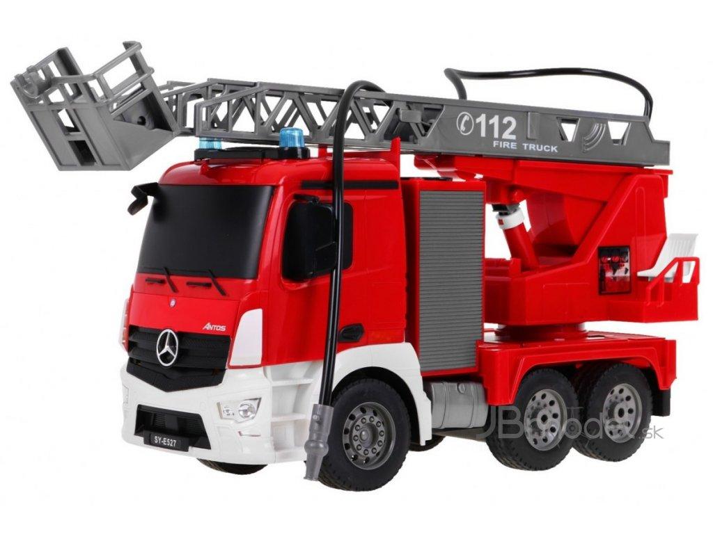RC hasiči Mercedes Benz s funkčným vodným delom RTR 1:20