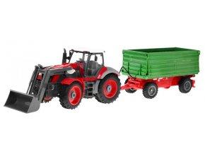 Veľký traktor s vlekom na diaľkové ovládanie