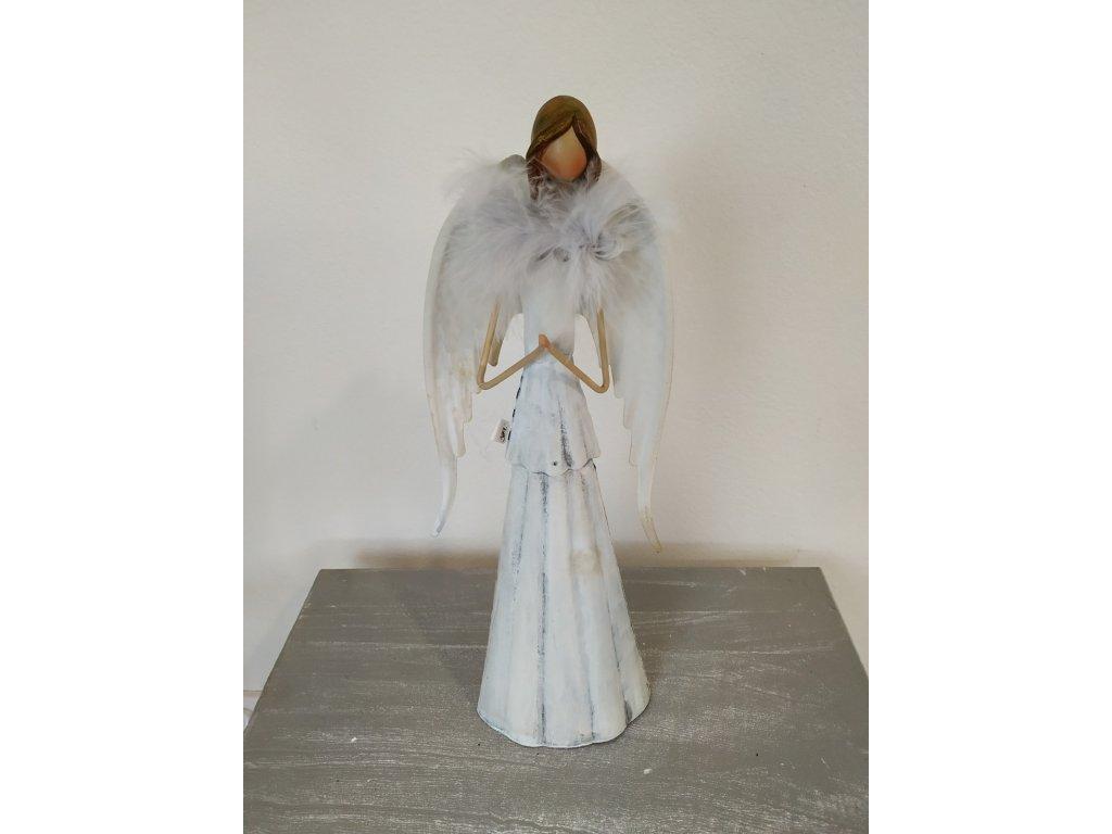 Kovový anděl zdobený pírky 31 cm