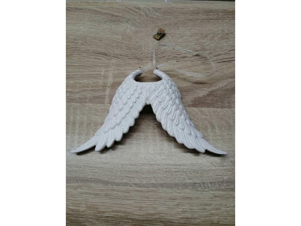 Bílá křídla k zavěšení